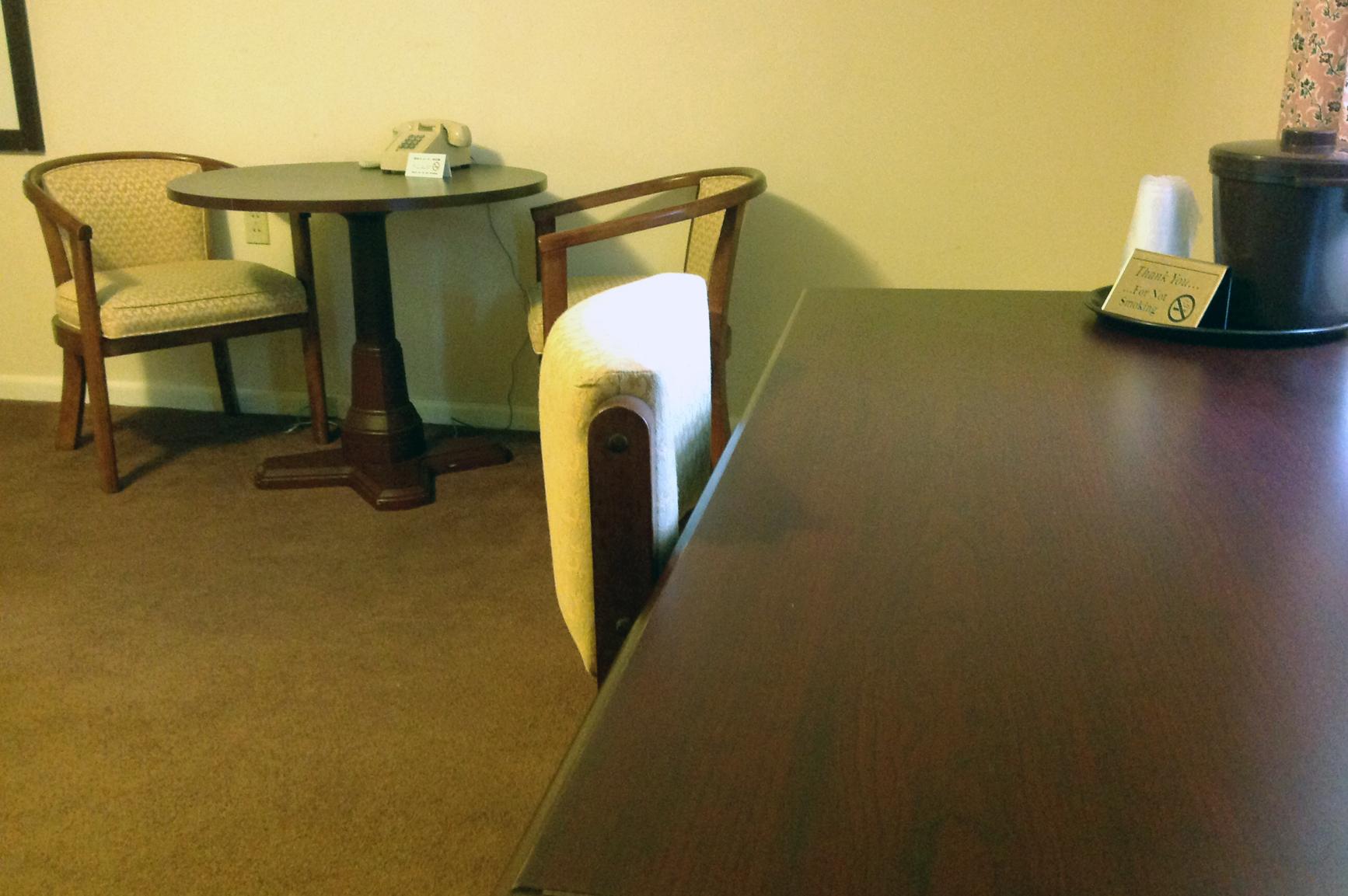 motel-desk