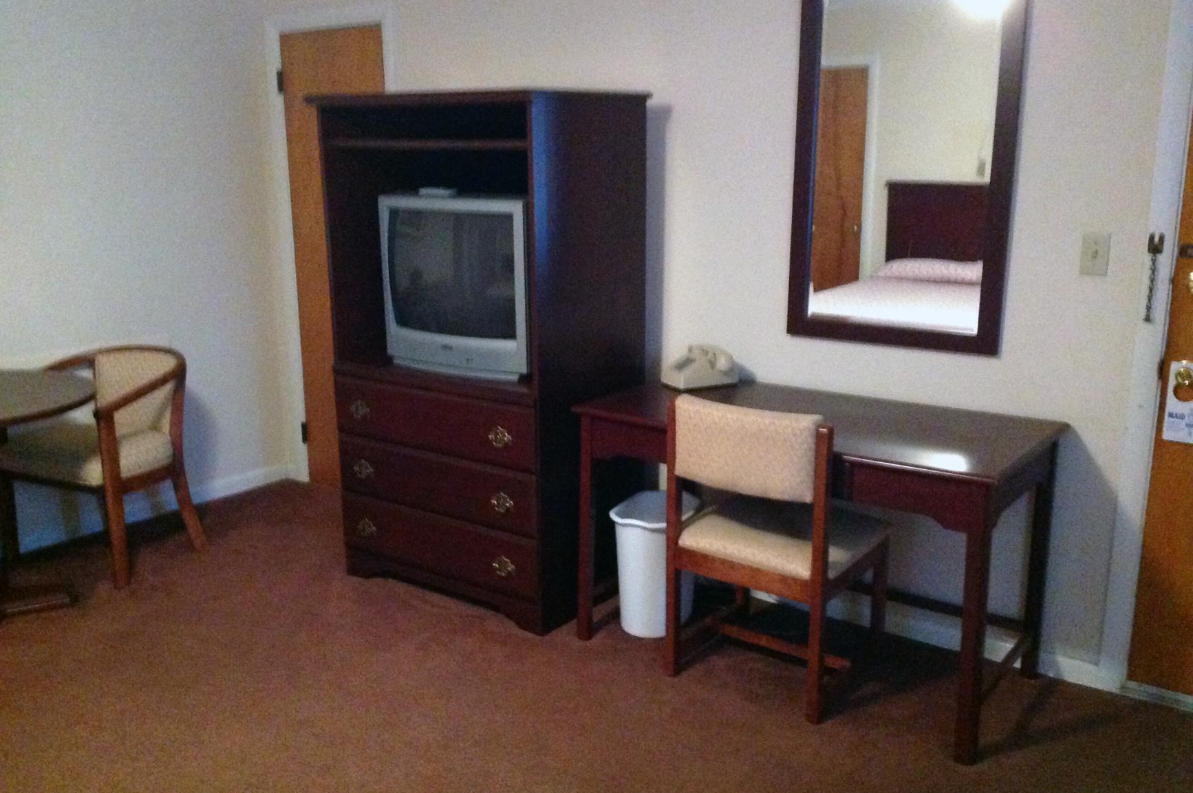 motel-desk2
